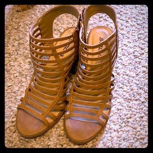 Block sandal heel